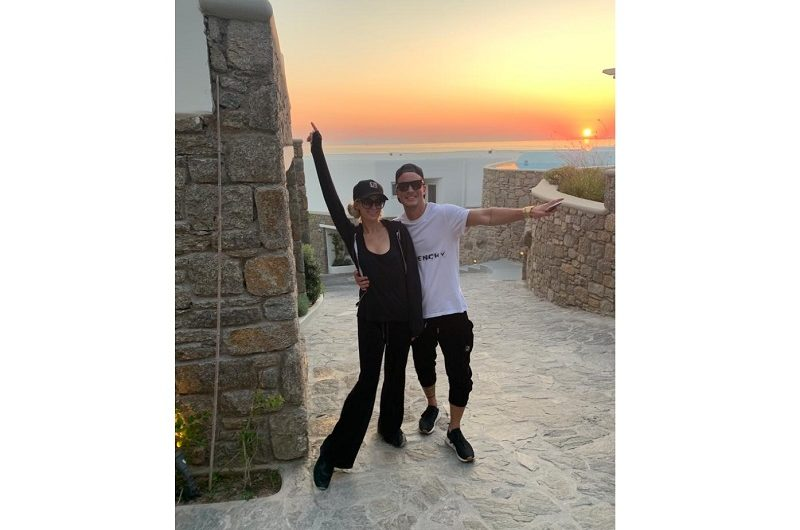 Paris Hilton and Aleks Novakovic – Where love falls