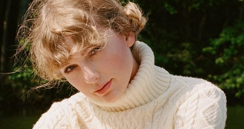 "Taylor Swift's: ""Folklore"" CD gets an early release in U.K."