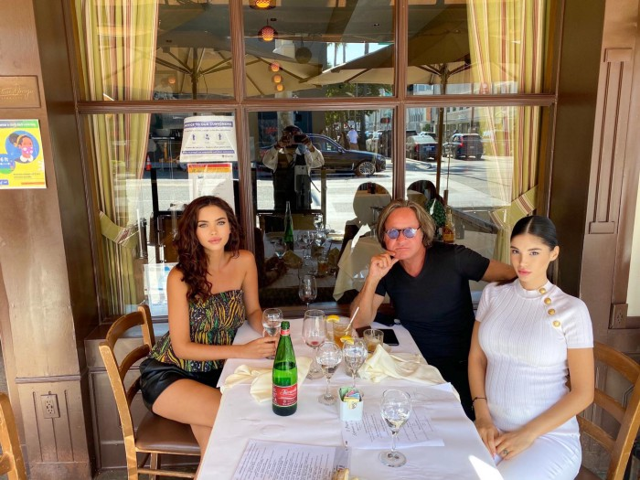 IL PASTAIO uploaded a picture of Mohammed Hadid on a possible date with actress and businesswoman Olivia Molina
