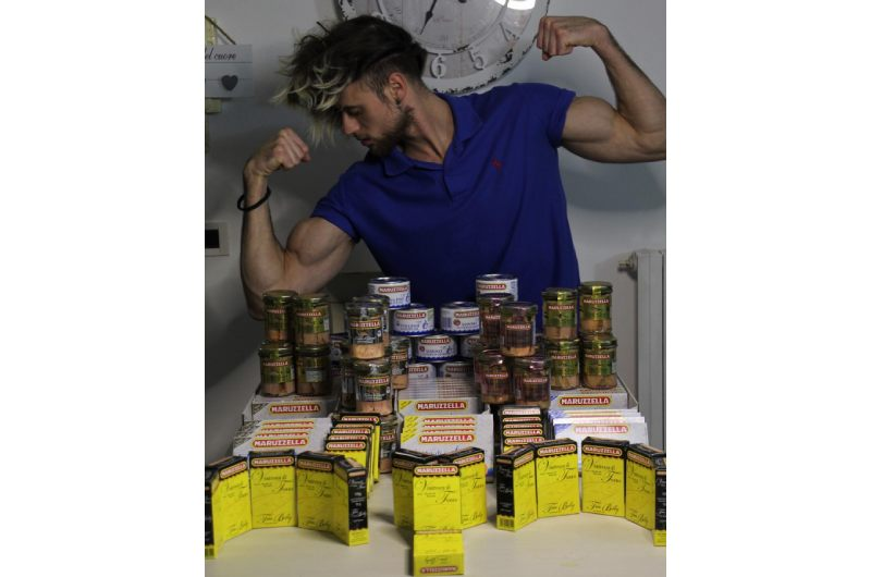 Simone Etere the athlete followed by thousands of followers on Instagram for his lifestyle.
