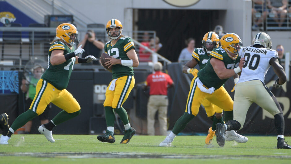 Aaron Rodgers trusts Packers hostile line played 'really well' in Week 1